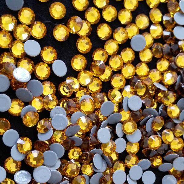 Topaz  6A quality glitter hot fix rhinestone with 16 cutting facets factory directly sale